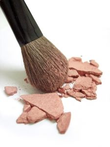 broken-blush-and-makeup-brush-909989-m
