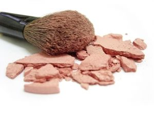 broken-blush-and-makeup-brush-909988-m